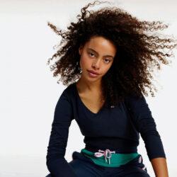 Προσφορά από το Cosmossport σε Tommy Jeans  - Tommy Jeans Jersey V Neck Γυναικεία Μπλούζα με Μακρύ Μανίκι (9000065189_45076) - DealFinder.gr