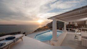 Προσφορά Deal από το Xenodoxeio - Ode Villa Santorini | Οία, Σαντορίνη - DealFinder.gr